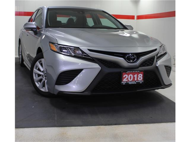 2018 Toyota Camry SE (Stk: 304050S) in Markham - Image 1 of 23