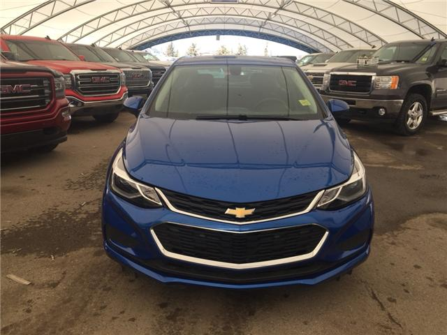 2017 Chevrolet Cruze LT Auto (Stk: 163667) in AIRDRIE - Image 2 of 24