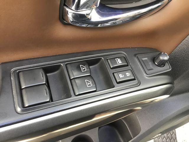 2016 Nissan Titan XD Platinum Reserve Diesel (Stk: U1305) in Hamilton - Image 5 of 30