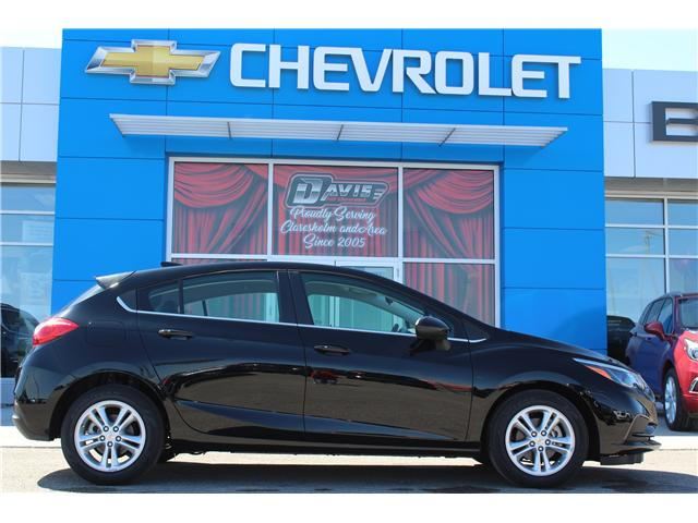 2018 Chevrolet Cruze LT Auto (Stk: 191398) in Claresholm - Image 2 of 19