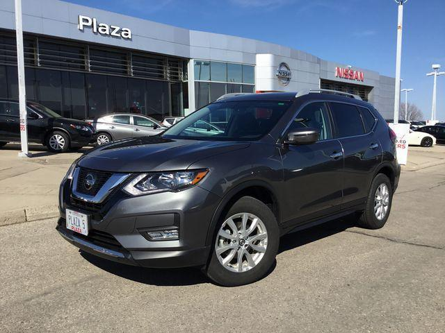 2018 Nissan Rogue SV (Stk: A6605) in Hamilton - Image 1 of 25