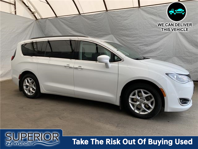 2018 Chrysler Pacifica Touring Plus (Stk: 2114101) in Thunder Bay - Image 1 of 23