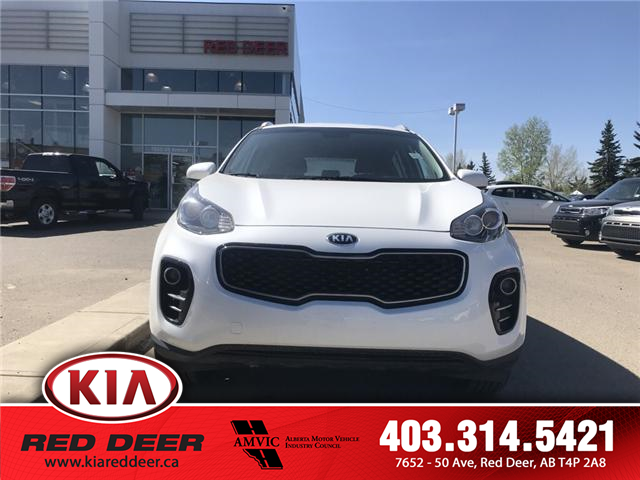 2018 Kia Sportage LX (Stk: 8SR2811A) in Red Deer - Image 2 of 9