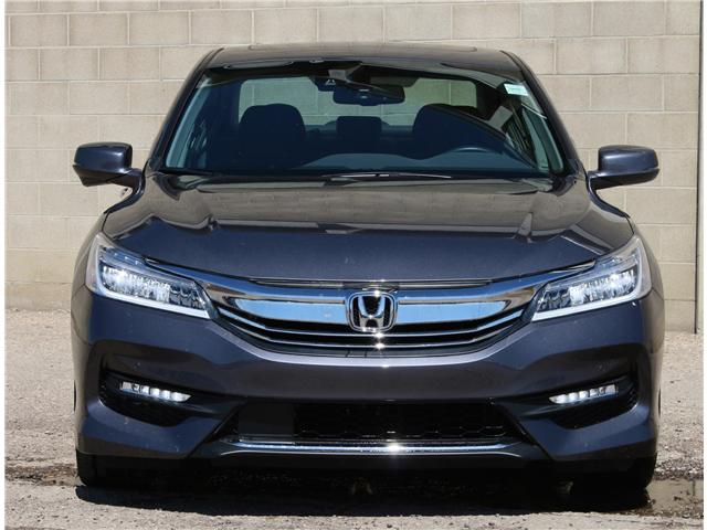 2017 Honda Accord Touring V6 (Stk: 68312A) in Saskatoon - Image 2 of 7