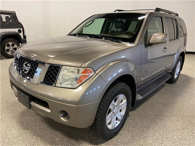 2005 Nissan Pathfinder LE (Stk: P12737A) in Calgary - Image 1 of 23