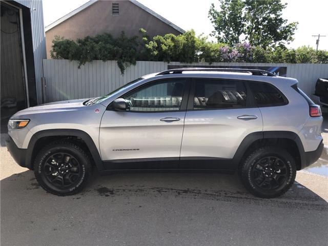 2019 Jeep Cherokee Trailhawk (Stk: 13026) in Fort Macleod - Image 2 of 18