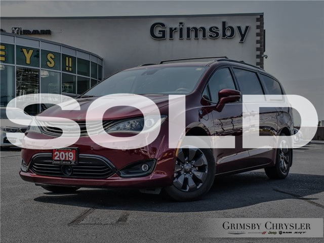 2019 Chrysler Pacifica Hybrid Limited (Stk: N21298A) in Grimsby - Image 1 of 34