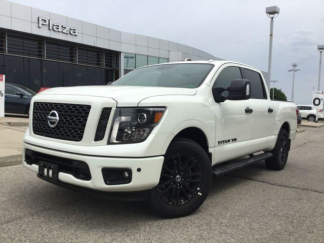 2018 Nissan Titan SV Midnight Edition (Stk: A7059) in Hamilton - Image 1 of 30