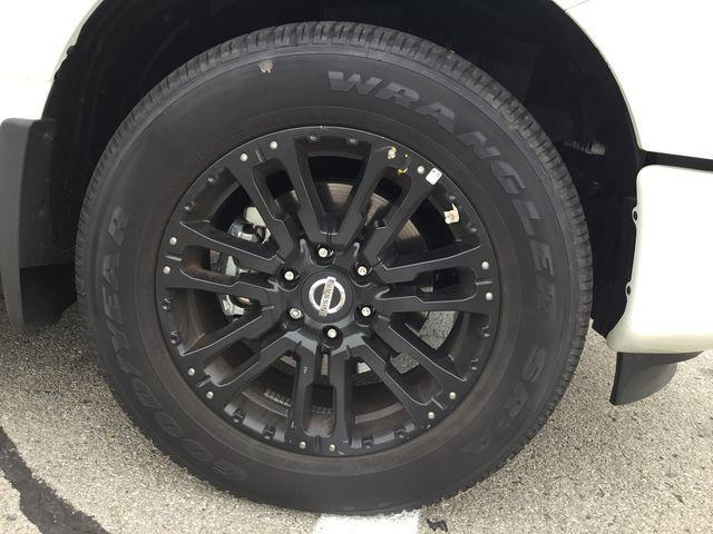 2018 Nissan Titan SV Midnight Edition (Stk: A7059) in Hamilton - Image 2 of 30