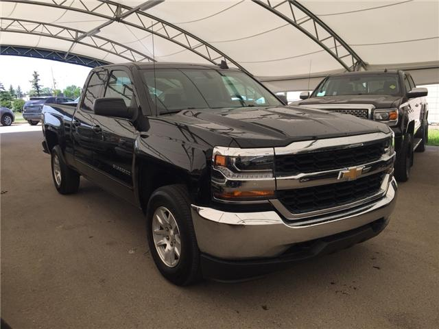 2018 Chevrolet Silverado 1500  (Stk: 165556) in AIRDRIE - Image 1 of 18