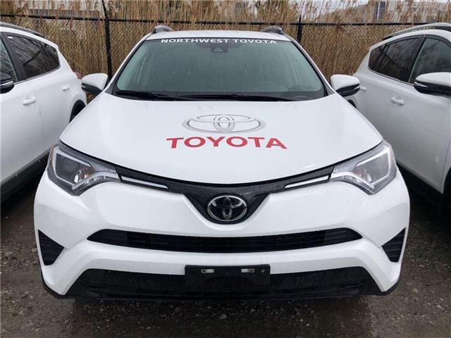 2018 Toyota RAV4 LE (Stk: 698109) in Brampton - Image 2 of 5