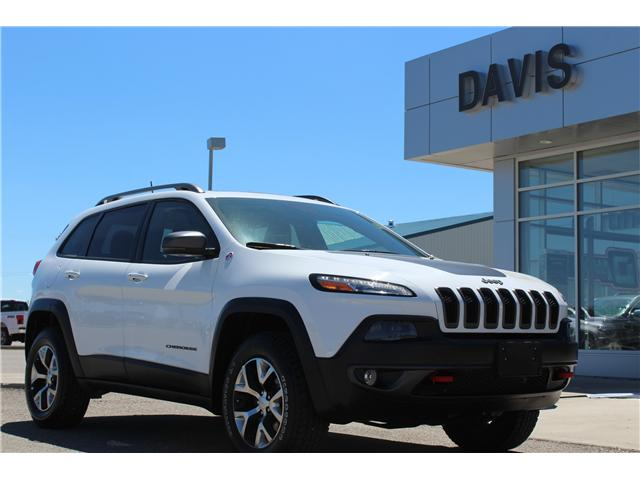 2017 Jeep Cherokee Trailhawk (Stk: 193936) in Claresholm - Image 1 of 23