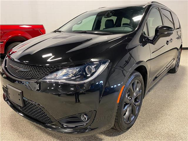 2020 Chrysler Pacifica Limited (Stk: P12705) in Calgary - Image 1 of 26