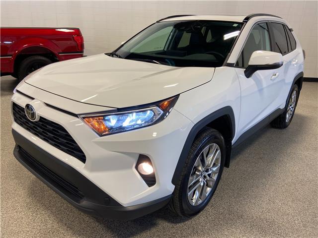 2019 Toyota RAV4 XLE (Stk: P12714) in Calgary - Image 1 of 23