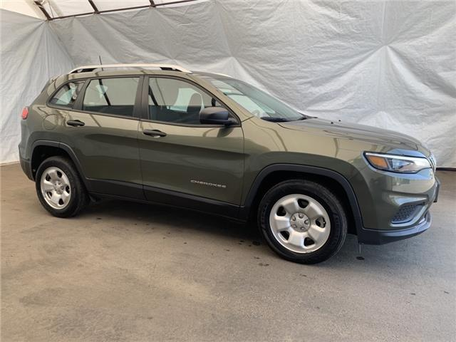 2019 Jeep Cherokee Sport (Stk: 2112601) in Thunder Bay - Image 1 of 23