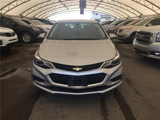 2017 Chevrolet Cruze LT Auto (Stk: 165984) in AIRDRIE - Image 2 of 21