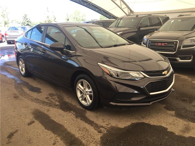 2017 Chevrolet Cruze LT Auto (Stk: 165989) in AIRDRIE - Image 1 of 21