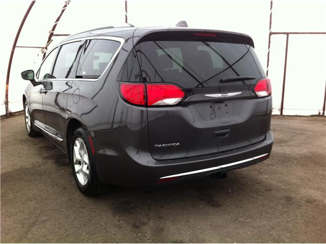 2018 Chrysler Pacifica Touring-L (Stk: R8152A) in Ottawa - Image 6 of 24