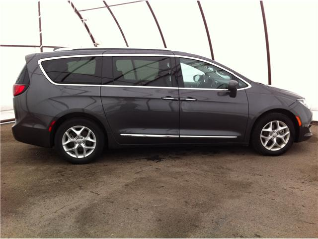 2018 Chrysler Pacifica Touring-L (Stk: R8152A) in Ottawa - Image 5 of 24