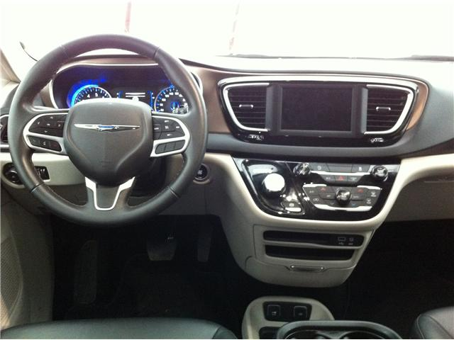 2018 Chrysler Pacifica Touring-L (Stk: R8152A) in Ottawa - Image 21 of 24