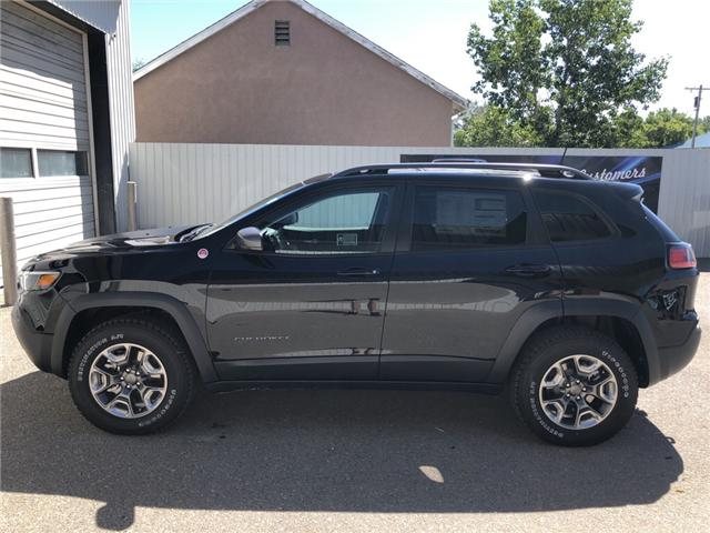 2019 Jeep Cherokee Trailhawk (Stk: 13318) in Fort Macleod - Image 2 of 20