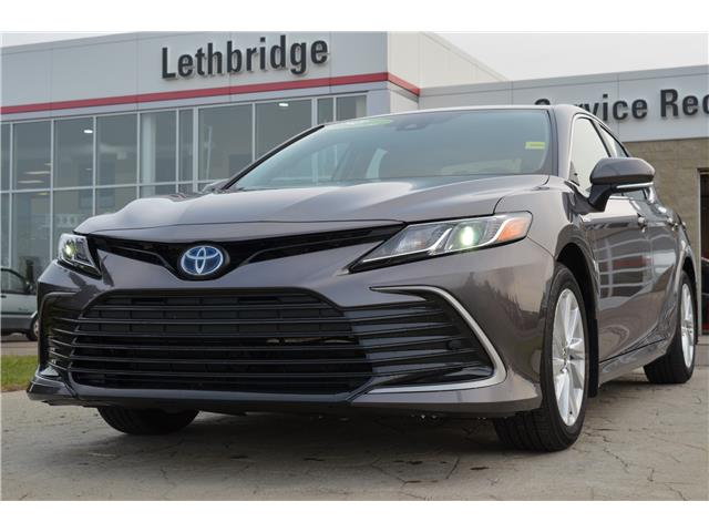 2021 Toyota Camry Hybrid LE (Stk: 1CA3744) in Lethbridge - Image 1 of 25