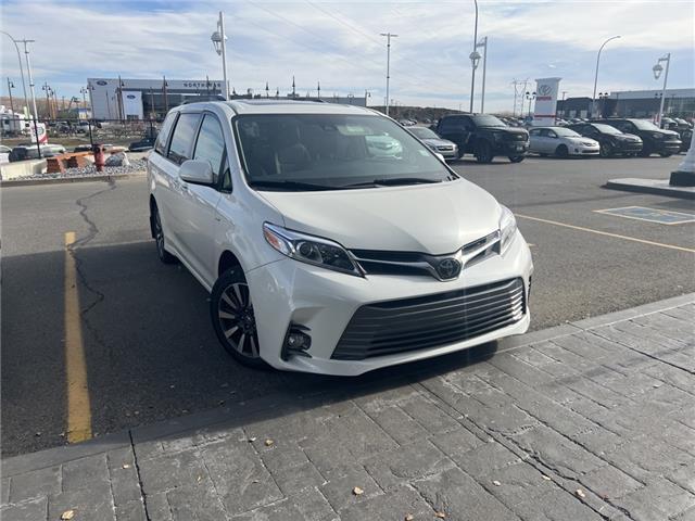 2018 Toyota Sienna XLE 7-Passenger (Stk: 210867A) in Cochrane - Image 1 of 4