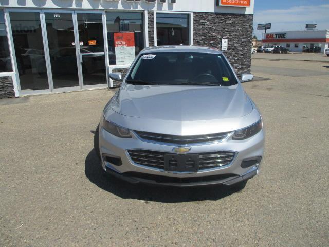 2017 Chevrolet Malibu 1LT (Stk: B1712) in Prince Albert - Image 2 of 23