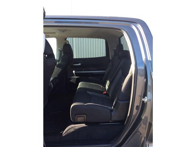 2017 Toyota Tundra SR5 Plus 5.7L V8 (Stk: P4930) in Sault Ste. Marie - Image 7 of 10