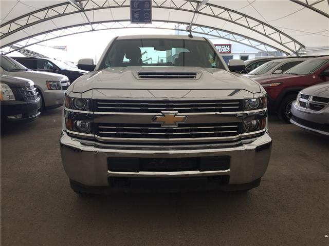 2018 Chevrolet Silverado 2500HD LT (Stk: 166661) in AIRDRIE - Image 2 of 18
