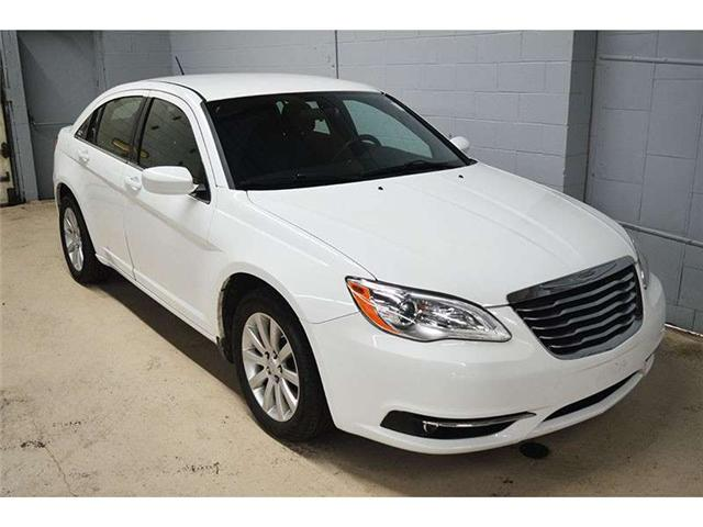 2012 Chrysler 200 TOURING - HEATED FRONT SEATS * ALLOY WHEELS * A/C  (Stk: B2697) in Kingston - Image 2 of 30