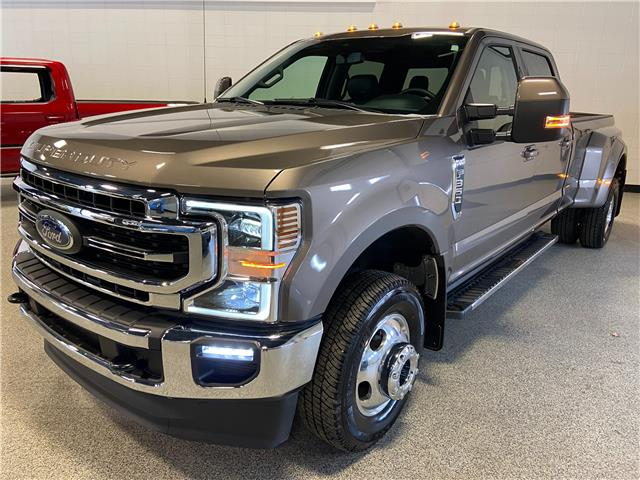 2020 Ford F-350 Lariat (Stk: P12725) in Calgary - Image 1 of 27