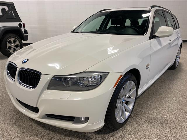 2012 BMW 328i xDrive Touring (Stk: P12740A) in Calgary - Image 1 of 19