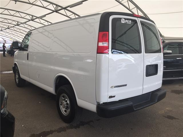 2017 Chevrolet Express 2500 1WT (Stk: 167633) in AIRDRIE - Image 4 of 17