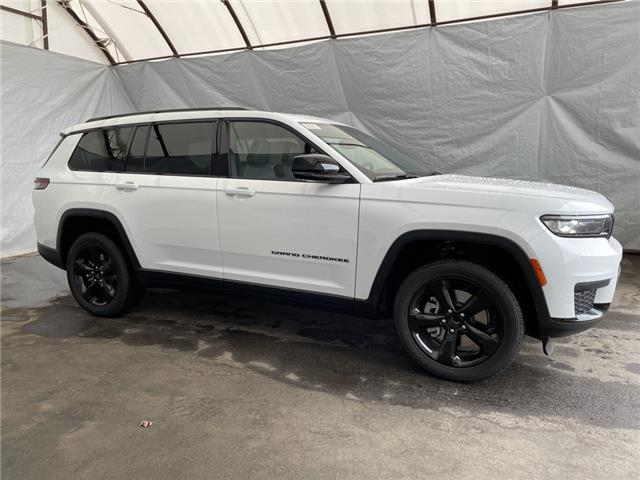 2021 Jeep Grand Cherokee L Laredo (Stk: 211522) in Thunder Bay - Image 1 of 25