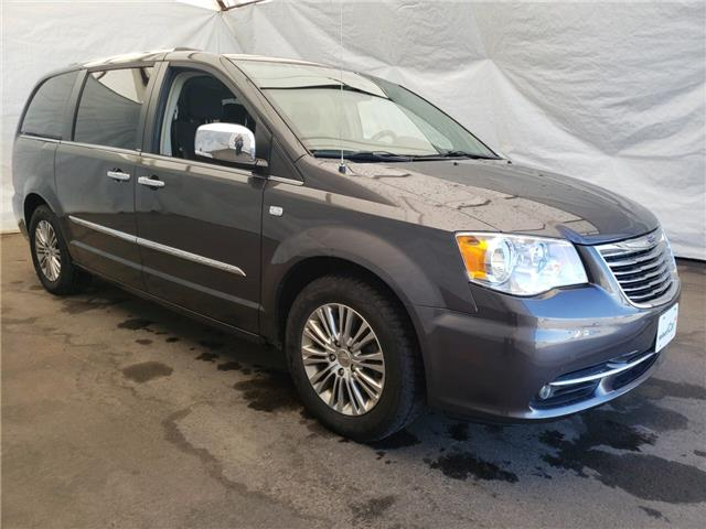 2014 Chrysler Town & Country Touring-L (Stk: IU2489) in Thunder Bay - Image 1 of 4