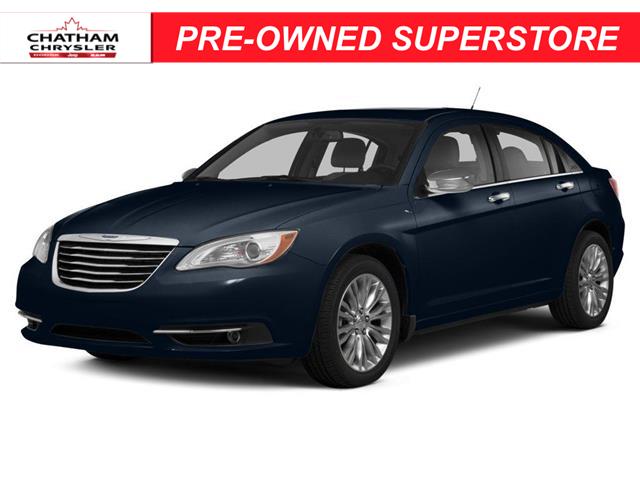 2014 Chrysler 200 LX (Stk: U04906A) in Chatham - Image 1 of 10