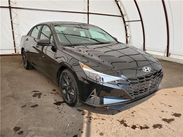 2022 Hyundai Elantra Sedan Preferred IVT (Stk: 17702) in Thunder Bay - Image 1 of 17