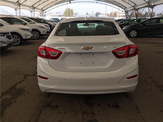 2019 Chevrolet Cruze LT (Stk: 168179) in AIRDRIE - Image 5 of 20