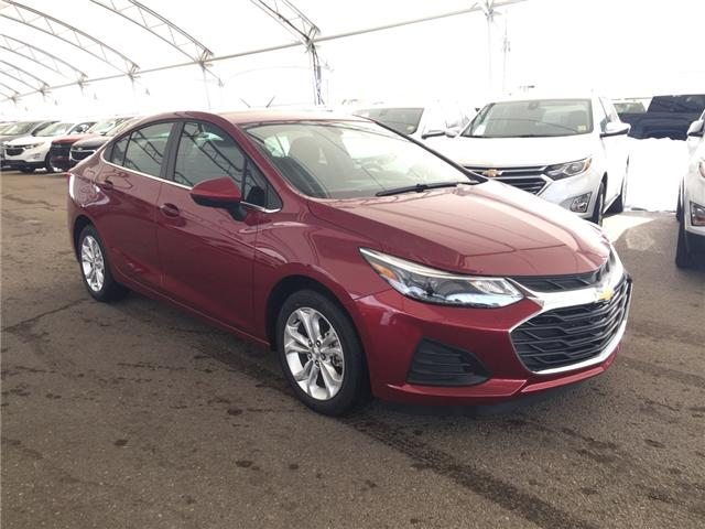 2019 Chevrolet Cruze LT (Stk: 168119) in AIRDRIE - Image 1 of 20