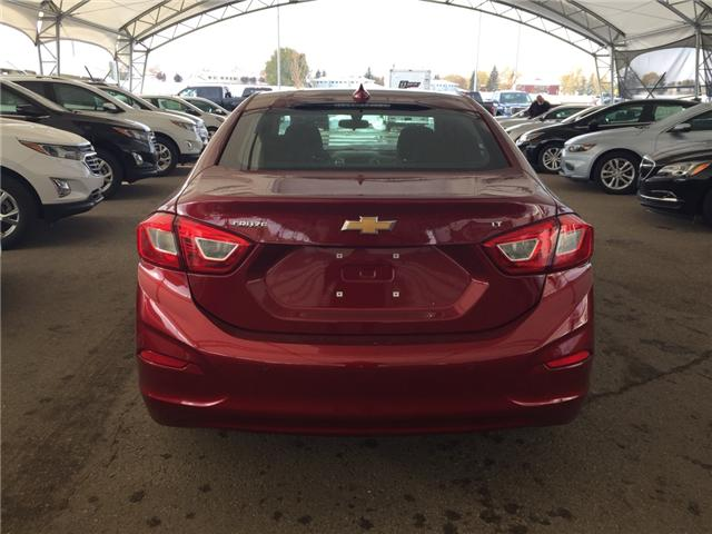 2019 Chevrolet Cruze LT (Stk: 168119) in AIRDRIE - Image 5 of 20