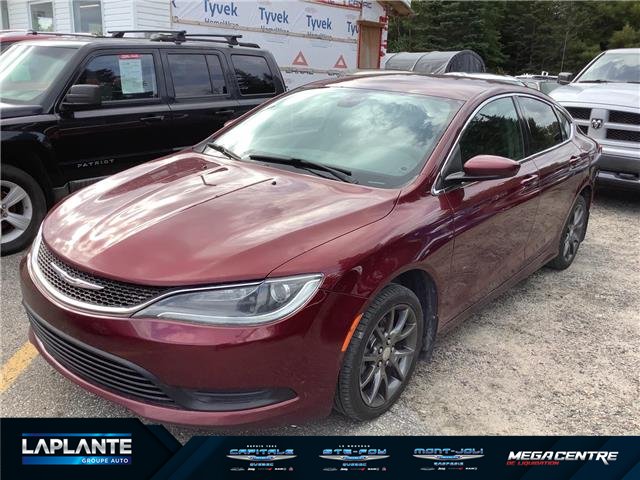2015 Chrysler 200 LX (Stk: M0502A) in Shannon - Image 1 of 6
