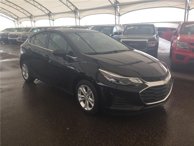 2019 Chevrolet Cruze LT (Stk: 168415) in AIRDRIE - Image 1 of 21