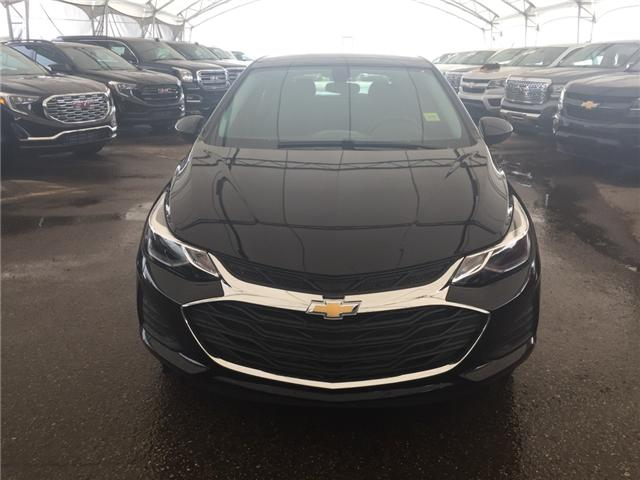 2019 Chevrolet Cruze LT (Stk: 168415) in AIRDRIE - Image 2 of 21