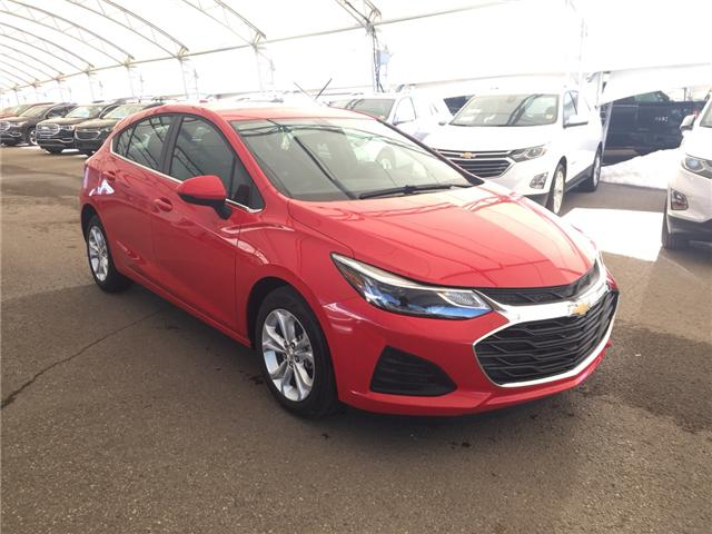 2019 Chevrolet Cruze LT (Stk: 168354) in AIRDRIE - Image 1 of 20