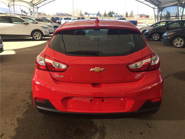 2019 Chevrolet Cruze LT (Stk: 168354) in AIRDRIE - Image 5 of 20