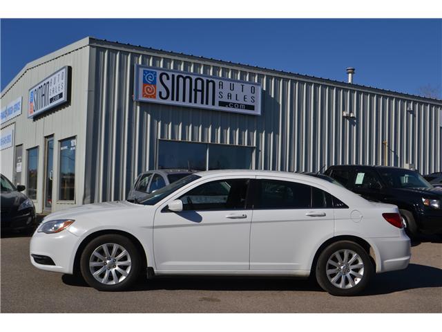 2013 Chrysler 200 LX (Stk: CC2515) in Regina - Image 2 of 17