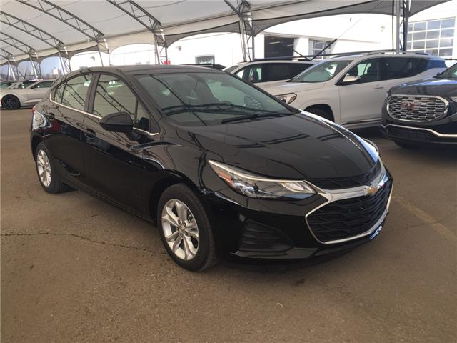2019 Chevrolet Cruze LT (Stk: 168323) in AIRDRIE - Image 1 of 20