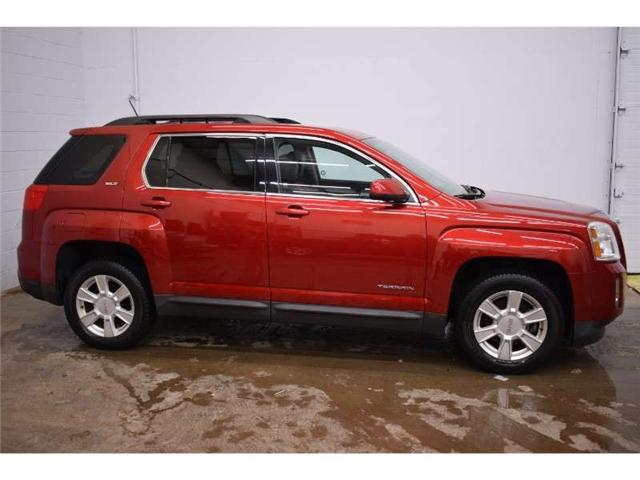 2013 GMC Terrain SLT AWD- BACKUP CAM * HEATED SEATS * SUNROOF (Stk: B2693) in Kingston - Image 1 of 30