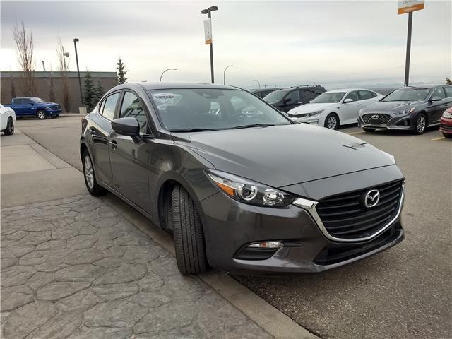 2018 Mazda Mazda3 SE (Stk: NE040) in Calgary - Image 3 of 20